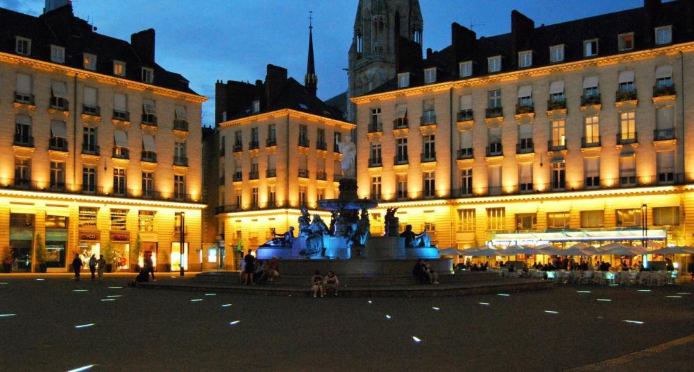 54489_1_la-place-royale-a-nantes