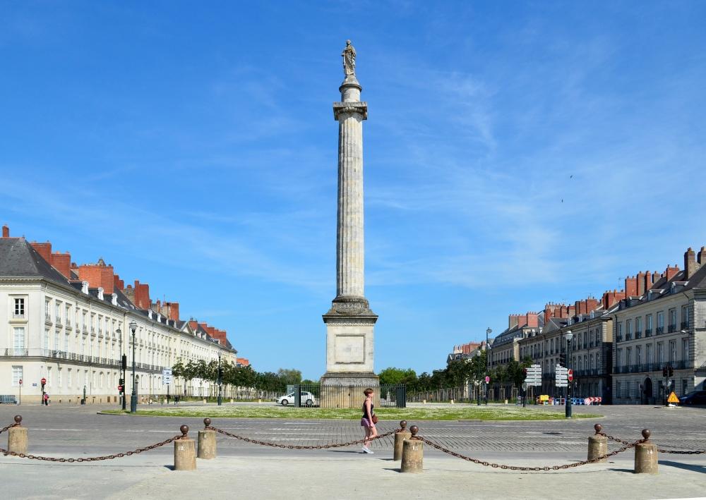 Nantes_-_Colonne_Louis-XVI_04