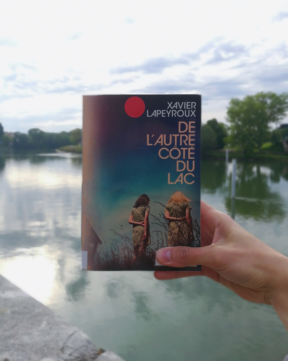 de-lautre-cote-du-lac-xavier-lapeyroux
