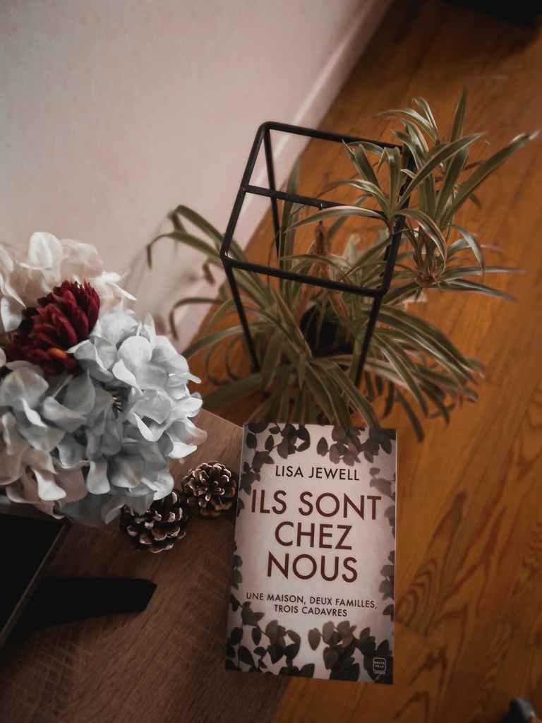 Avis sur le roman Ils sont chez nous de Lisa Jewell publié aux éditions Hauteville